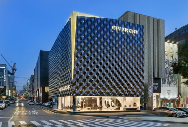 GIVENCHY---NEW-STORE-IN-SEOUL--BY-PIUARCH-ON-ARCS-copie-3.jpeg