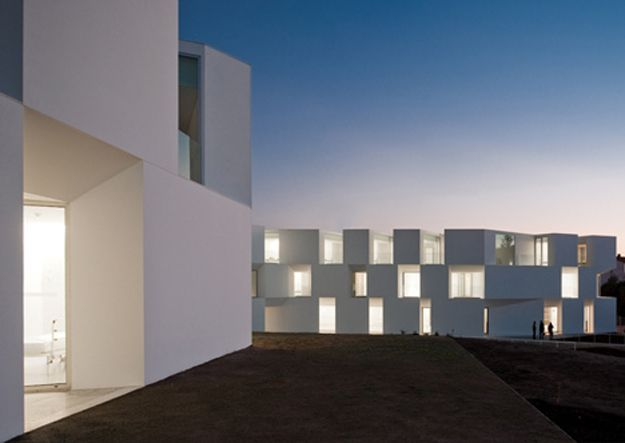 USTI MAG 2 House-for-elderly-people-by-Aires-Mateus-Arquite