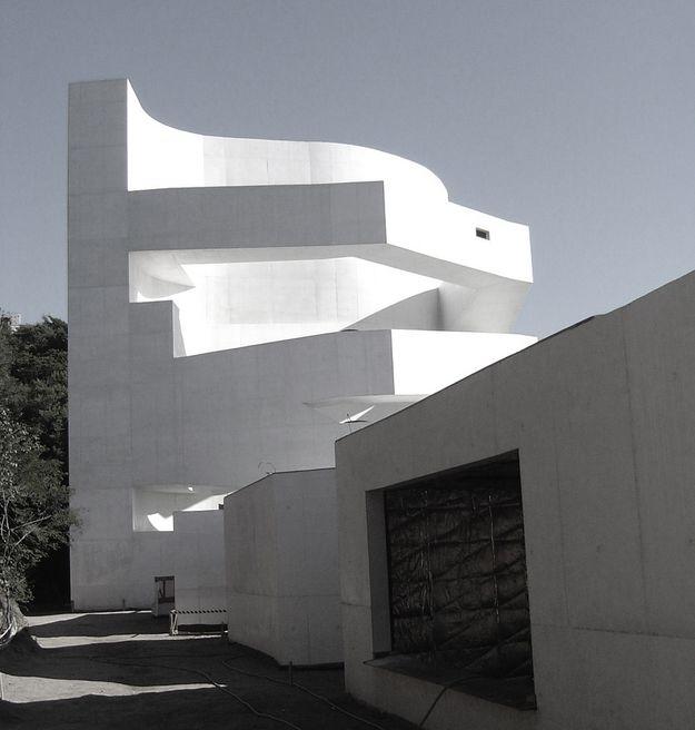IBERE-CAMARGO-FONDATION-by-ALVARO-VIEIRA-SIZA-18.JPG
