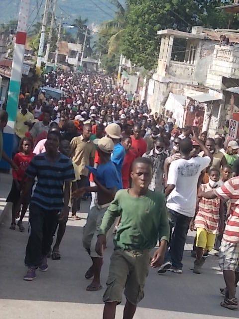 Les jacméliens encore dans la rue pour conjurer l'inséc