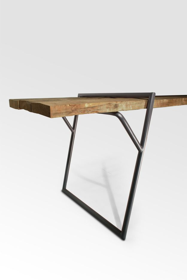 Quadra-table-design-by-Luis-Arrivillaga-1.jpg