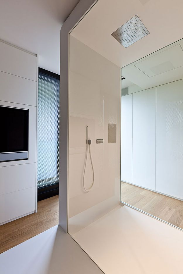 arcstreet.com-Building-in-Luxembourg-shower.jpg