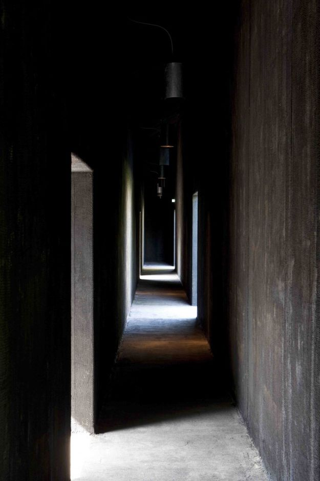 peter-zumthor-serpentine-gallery-2011-Photo-by-Walter-Herfs.jpg