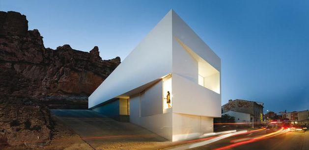 Fran-Silvestre-Arquitectos-.-CASA-EN-LA-LADERA-DE--copie-2.jpg