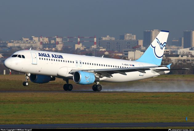 F-HBAO-Aigle-Azur-Airbus-A320-200_PlanespottersNet_428297.jpg