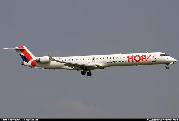 F-HMLI-HOP-Canadair-CRJ-1000_PlanespottersNet_480393.jpg