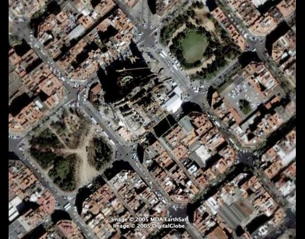 sagrada-familia-satellite.jpg