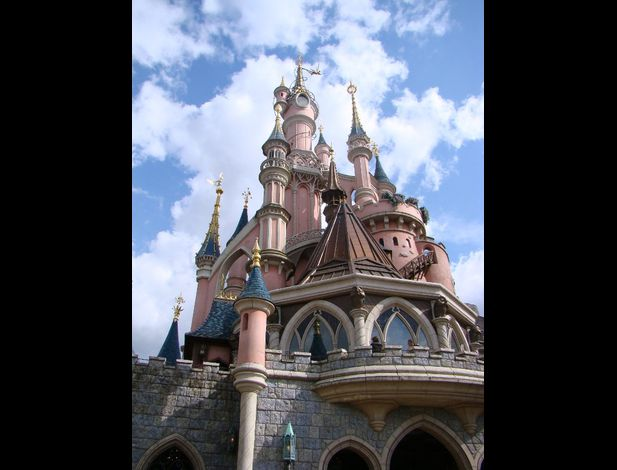 Disneyland  Paris chateau belle bois dormant
