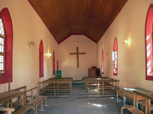 002-namibie-kalahari-village-nama-interieur-eglise.jpg
