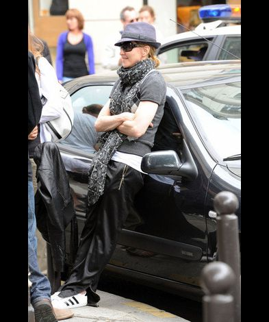 Madonna films WE in Paris France 20100801 34