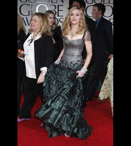 Madonna 2012 Golden Globe Awards 03 arrival