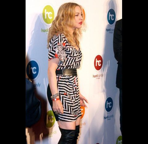 Madonna Hard Candy Fitness Mexico center 20101129 085