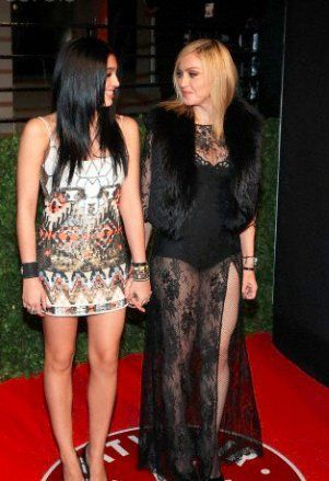 Madonna and Lourdes Vanity Fair Oscar Party 20110227 13