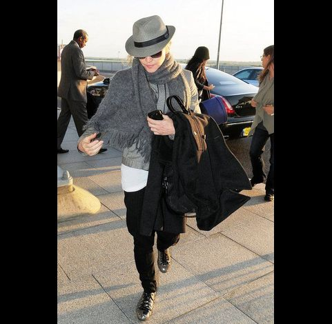 Madonna at Heathrow airport leaving London 20110416 04