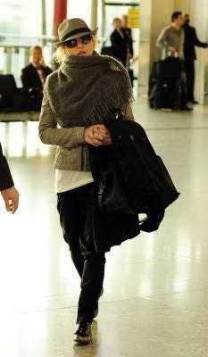 Madonna at Heathrow airport leaving London 20110416 12