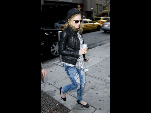 Madonna in New York NBC Studios 20110425 07