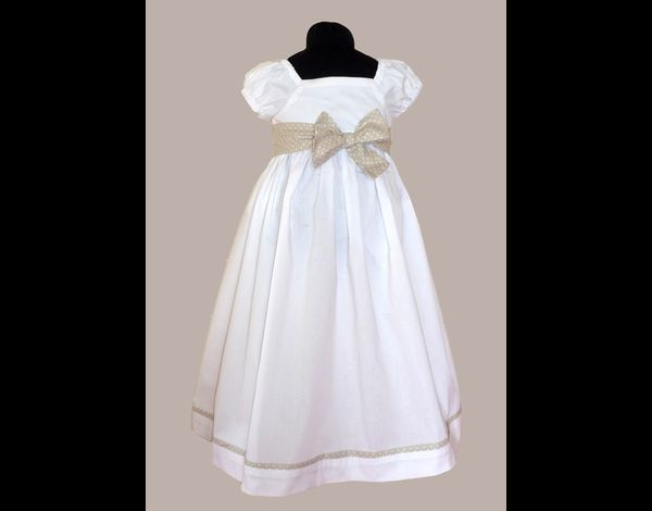 http://img.over-blog.com/630x470-000000/1/64/55/93//Filles/robe-Azenor-blanche-et-beige.JPG