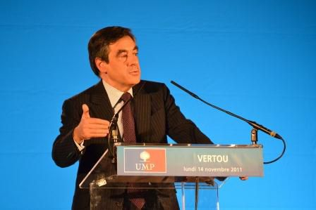Francois FILLON tribune Vertou 14 nov 2011
