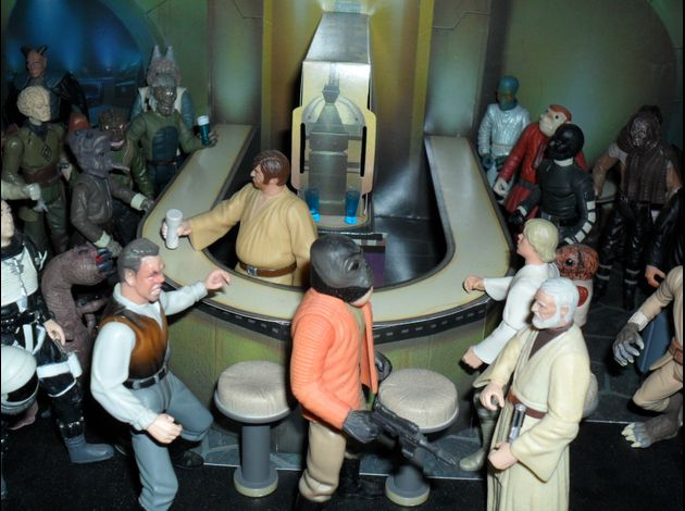 http://img.over-blog.com/630x470-000000/3/18/35/93//photo-figurine-star-wars-2/famille-star-wars/SAM_1054.JPG