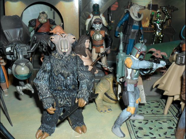 http://img.over-blog.com/630x470-000000/3/18/35/93//photo-figurine-star-wars-2/famille-star-wars/SAM_1057.JPG