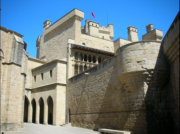 Chteau de Olite en Navarre