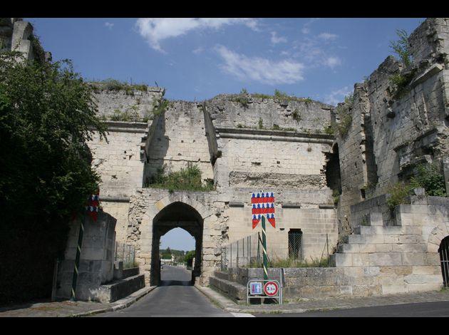 Coucy le chateau porte de laon 47 - Port de bouc d hier et d aujourd hui ...