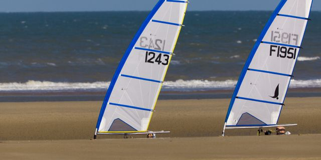 CHAR A VOILE - 024-2