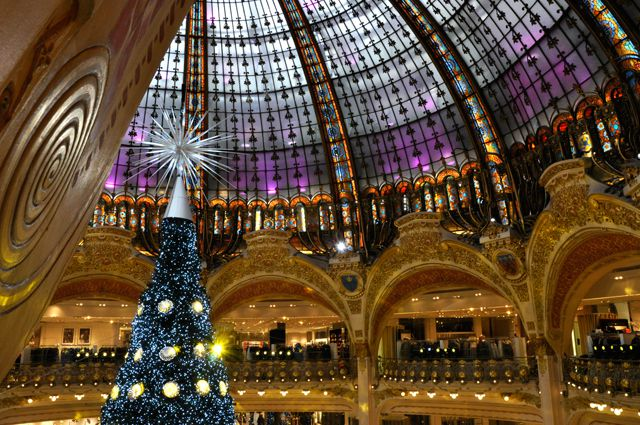 sapin--galeries-lafayette-decoration-noel-paris96.jpg