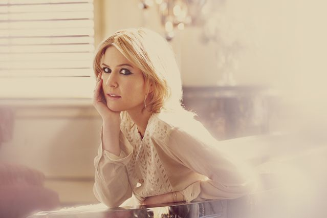 Dido-album-girl-got-away---2013---Photo---Guy-Aroch.jpg