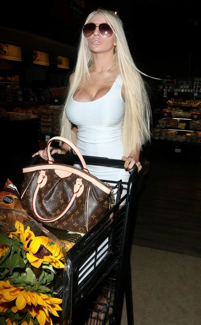 courtney_stodden_white_3.jpg