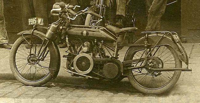 ABC 1913 gros plan391