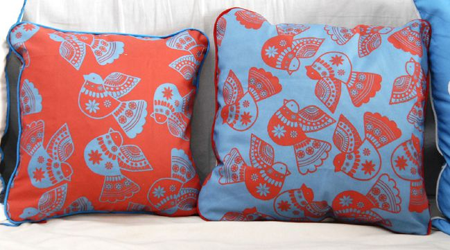coussin-motif-oiseau-simple-2-copie-1.jpg