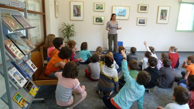 expo-biblio-agnes-avec-enfants.JPG