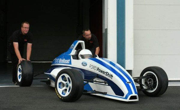 -Une-toute-nouvelle-Formula-Ford.jpg