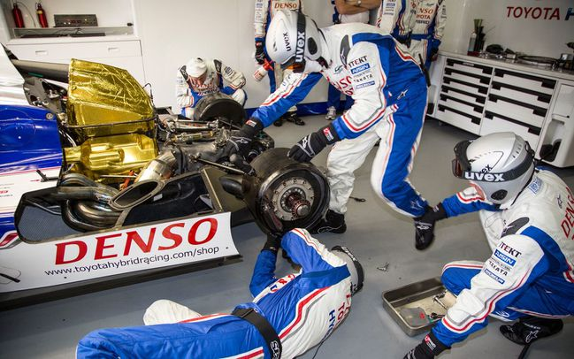 Toyota-TS030-rear-cover-removed.jpg