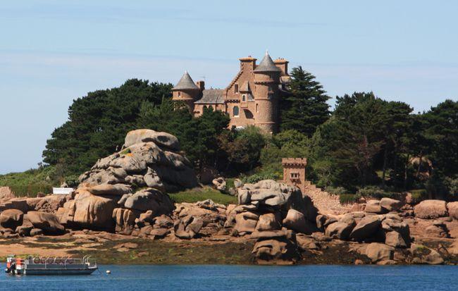 Ploumanach' le chateau (1)