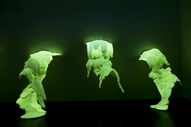 Lynda-Benglis-from-point-to-phosphore