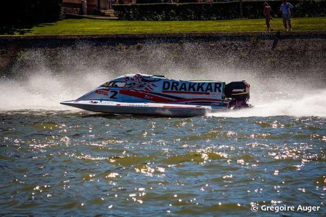 drakkar le premier leader des 24 heures motonautique de rou