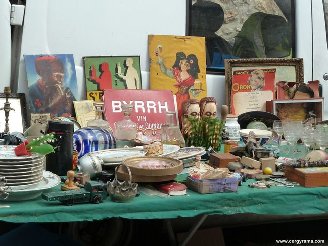 brocante stand affiches