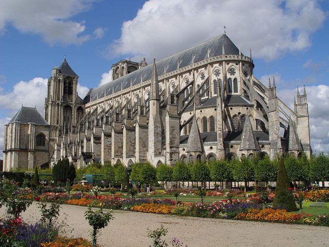 Cathedrales-de-Bourges--1190---Region-Centre--Berry-.jpg