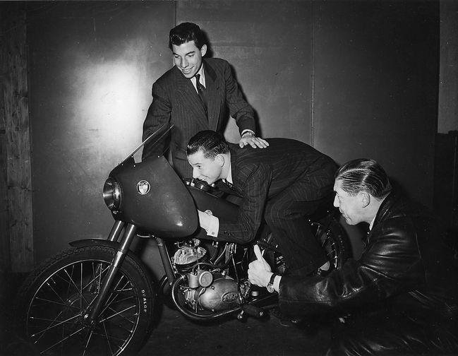 Monneret 1951 Puchtrio617