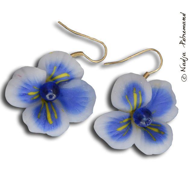 Bouecle d'oreille fleur fimo