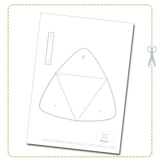 DIY-triangle-leather-pouch-pattern.jpg