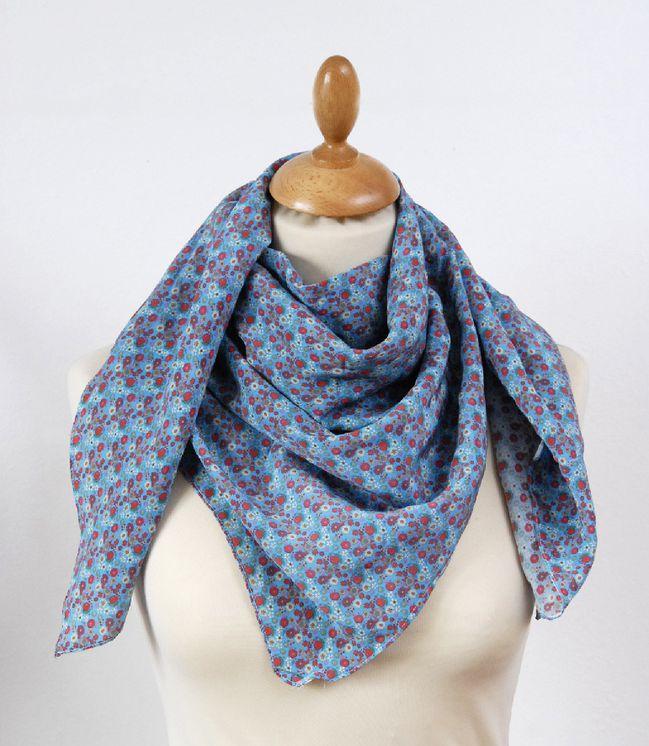 foulards-en-soie-liberty-fond-turquoise-1-copie-1.jpg