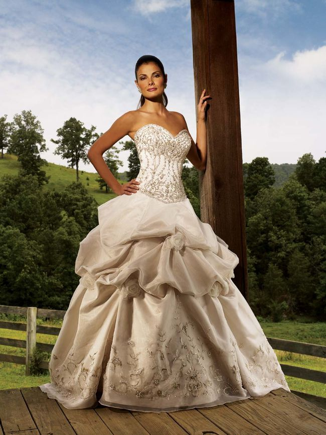 Embroidered-Wedding-Dress-HS-141-.jpg