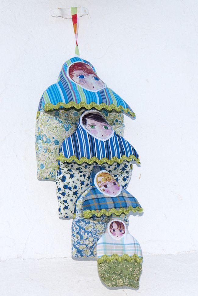 livre en tissu poupée russe 1