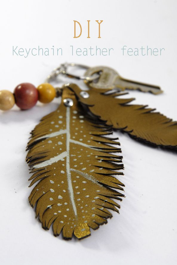 DIY-Keychain-leather-feather-3.jpg