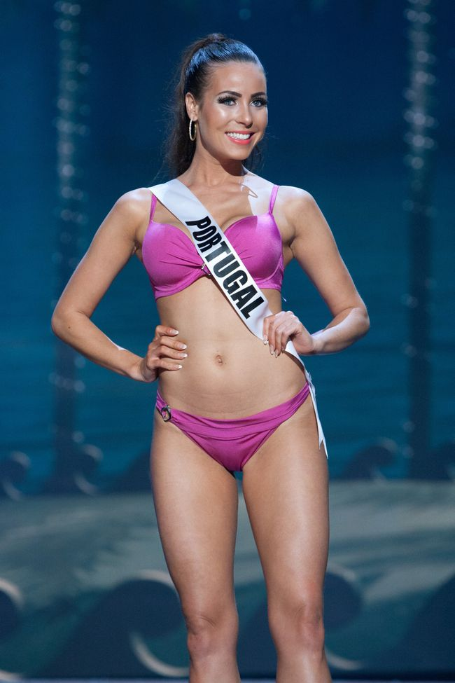 miss-universe-swimsuit-9.jpg