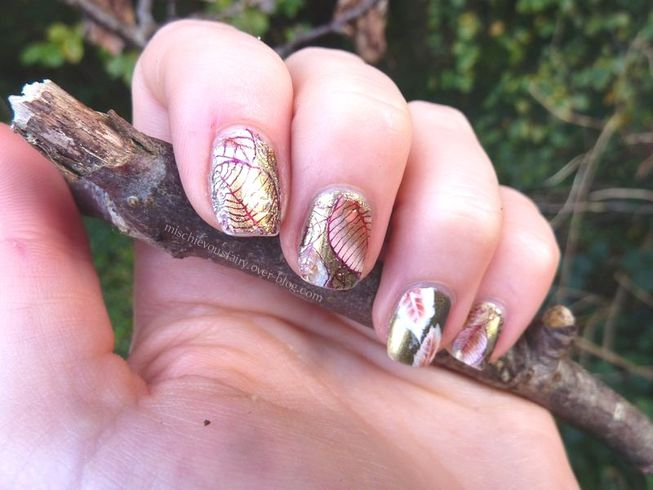 nail-art-feuilles-automne-stamping5