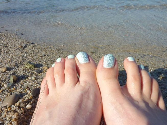 nail-art-pedi-flakies-degrade-sticker-bleu4